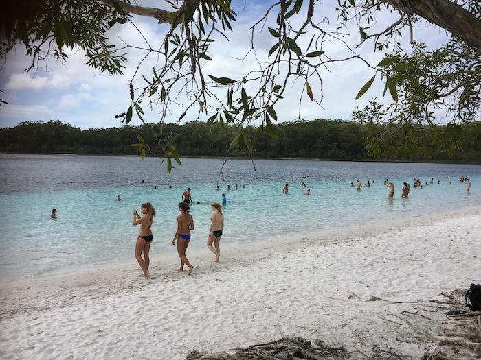 Beautiful Lake McKenzie on Fraser Island