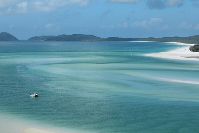 Whitehaven Beach is one of the Best Things to do in Airlie Beach & Whitsundays