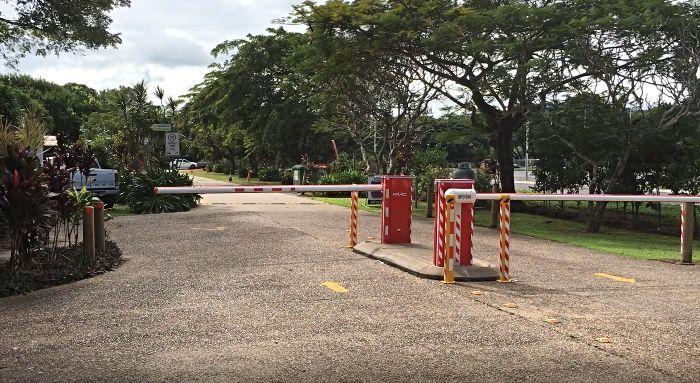 Boom gate entry
