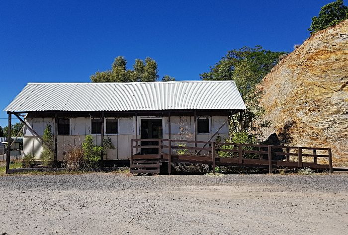 Mount Isa Tent House