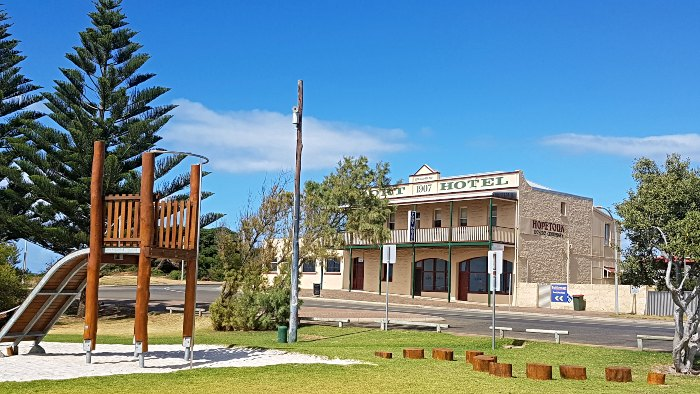 Visit the Port Hotel while RV Free Camping in Hopetoun