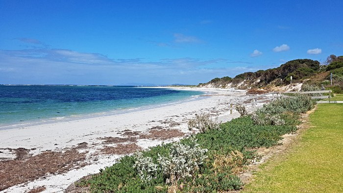 RV Free Camping Hopetoun is right on the beach