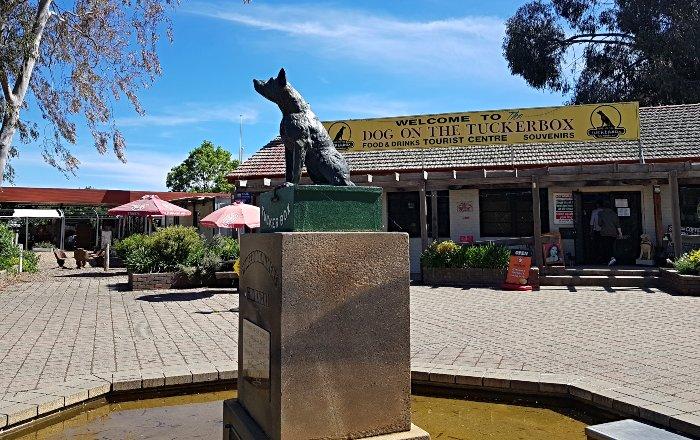 The Dog on the Tuckerbox at Gundagai