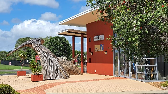 Hervey Bay 48hr Rest Stop is behind the Hervey Bay Visitor Information Centre