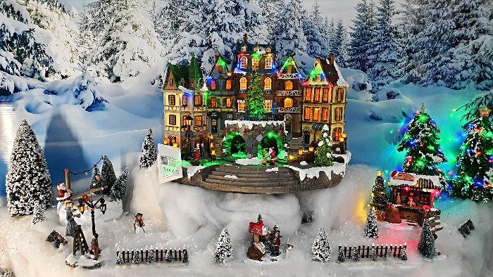 Musical Christmas Ornaments