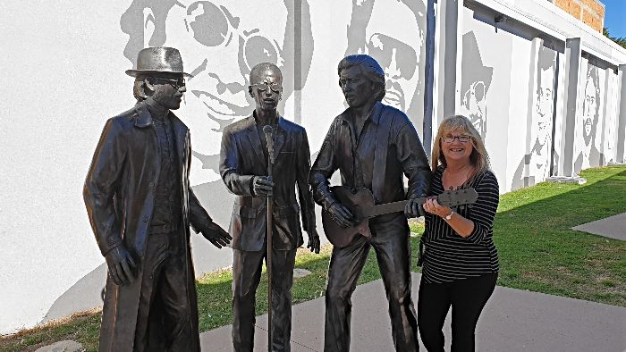17 Reasons to visit Redcliffe - Bee Gees Way