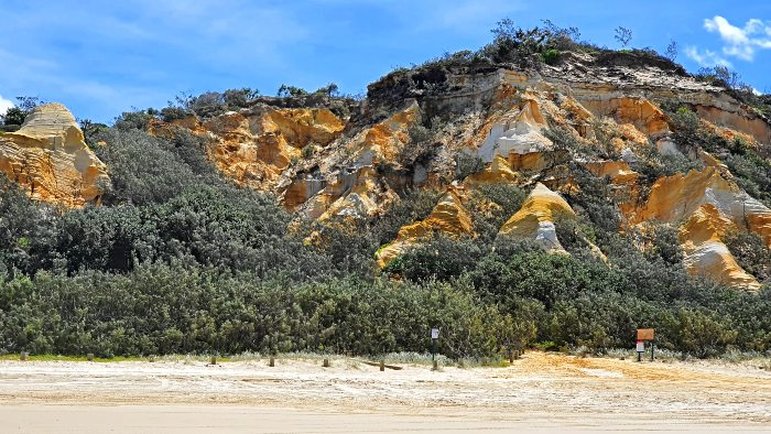 Beautiful coloured sands of The Pinnacles