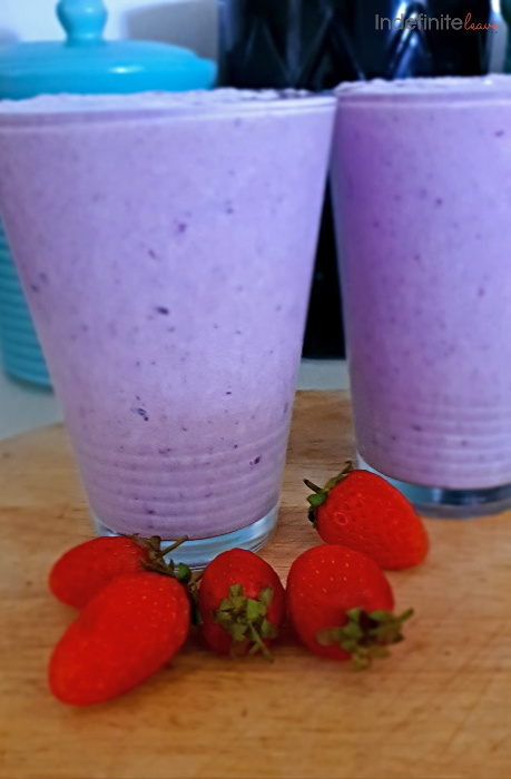 How to make Blueberry Banana Smoothies at home