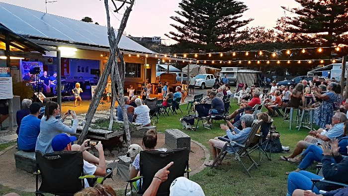Live entertainment from Frankie J Holden at Tathra Beachside