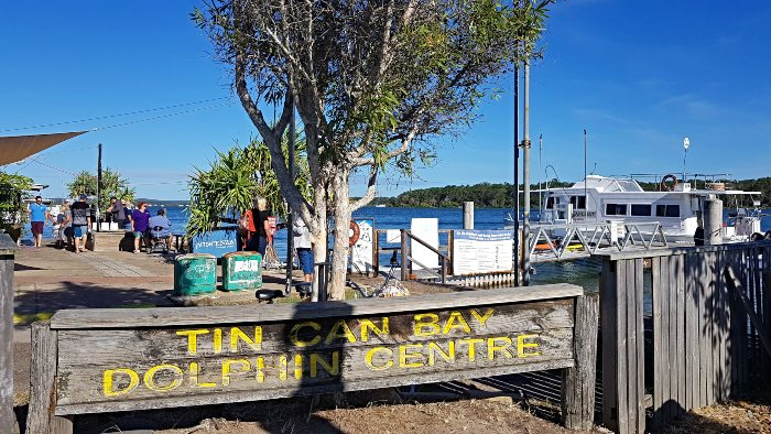 Barnacles Dolphin Feeding Centre