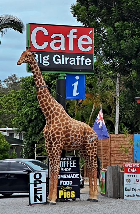 Big Things of Australia - The Big Giraffe Miriam Vale Qld