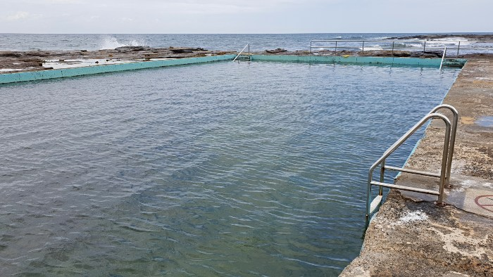 The ocean pool near Coledale Camping Reserve