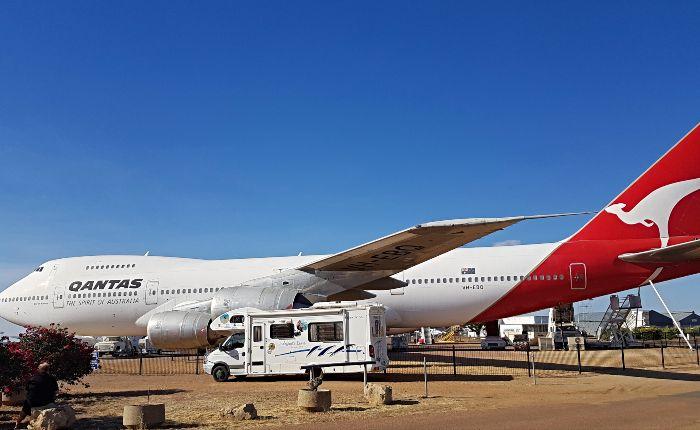 747 & Darwinny
