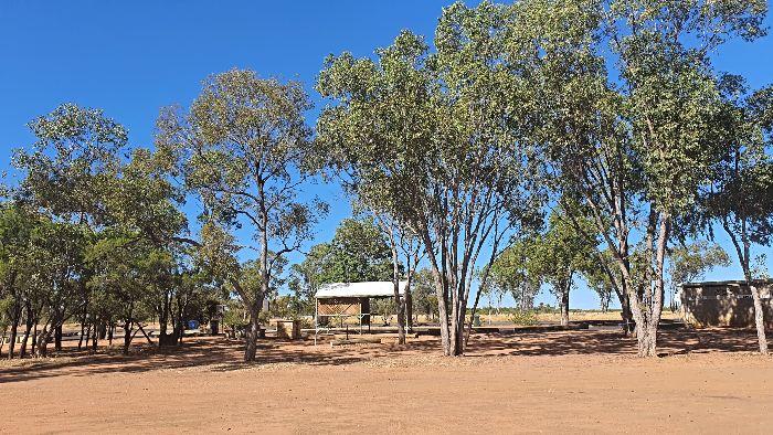 Brisbane to Darwin Free Camping at Barcaldine