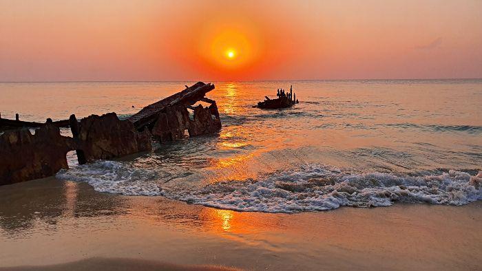 Bulwer Wrecks Moreton Island at sunset